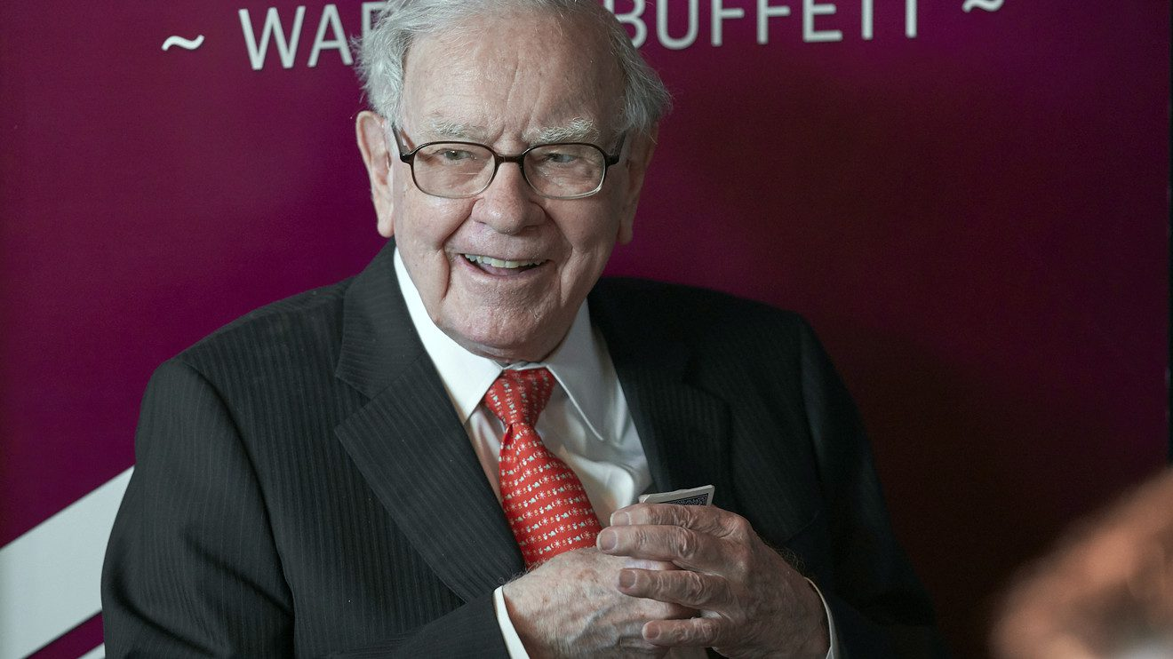warren-buffett-said-this-metric-signaled-the-2001-crash-—-now-it's-sounding-the-alarm-on-global-markets