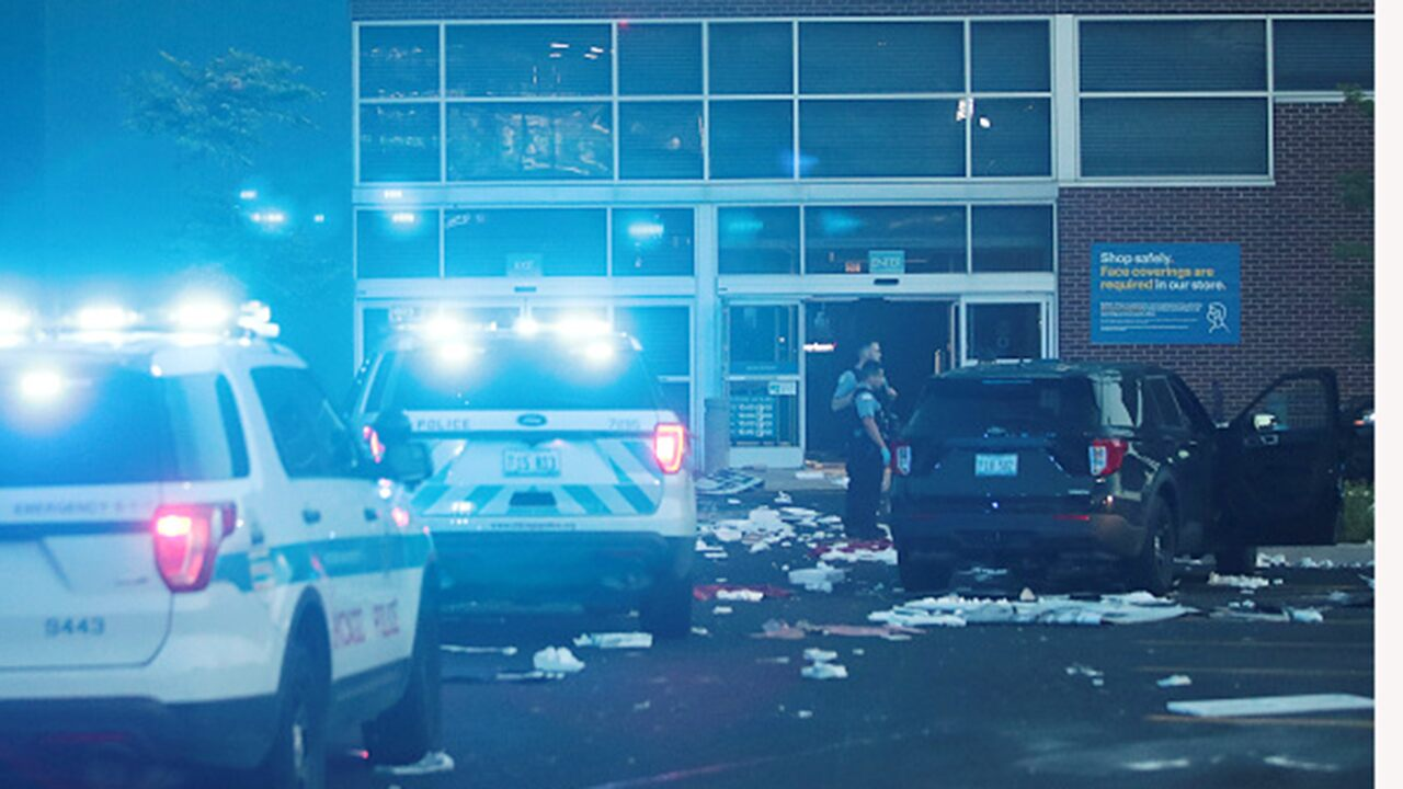 chicago-rocked-by-widespread-looting-caught-on-video-after-police-involved-shooting
