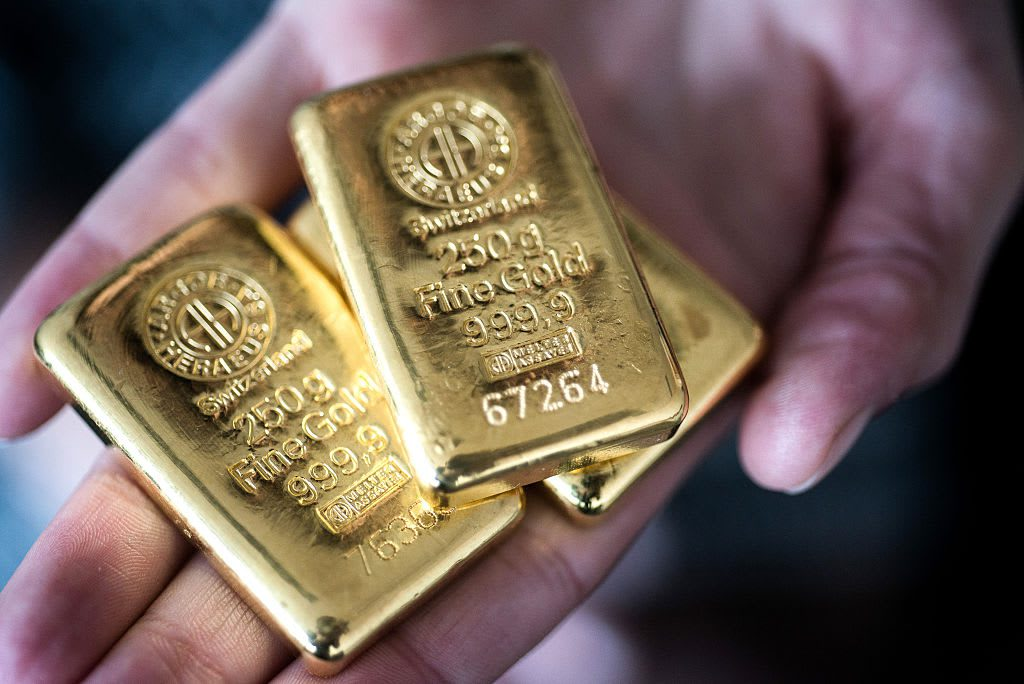 jim-cramer:-gold-is-flashing-signs-'you-want-to-see-in-a-chart'