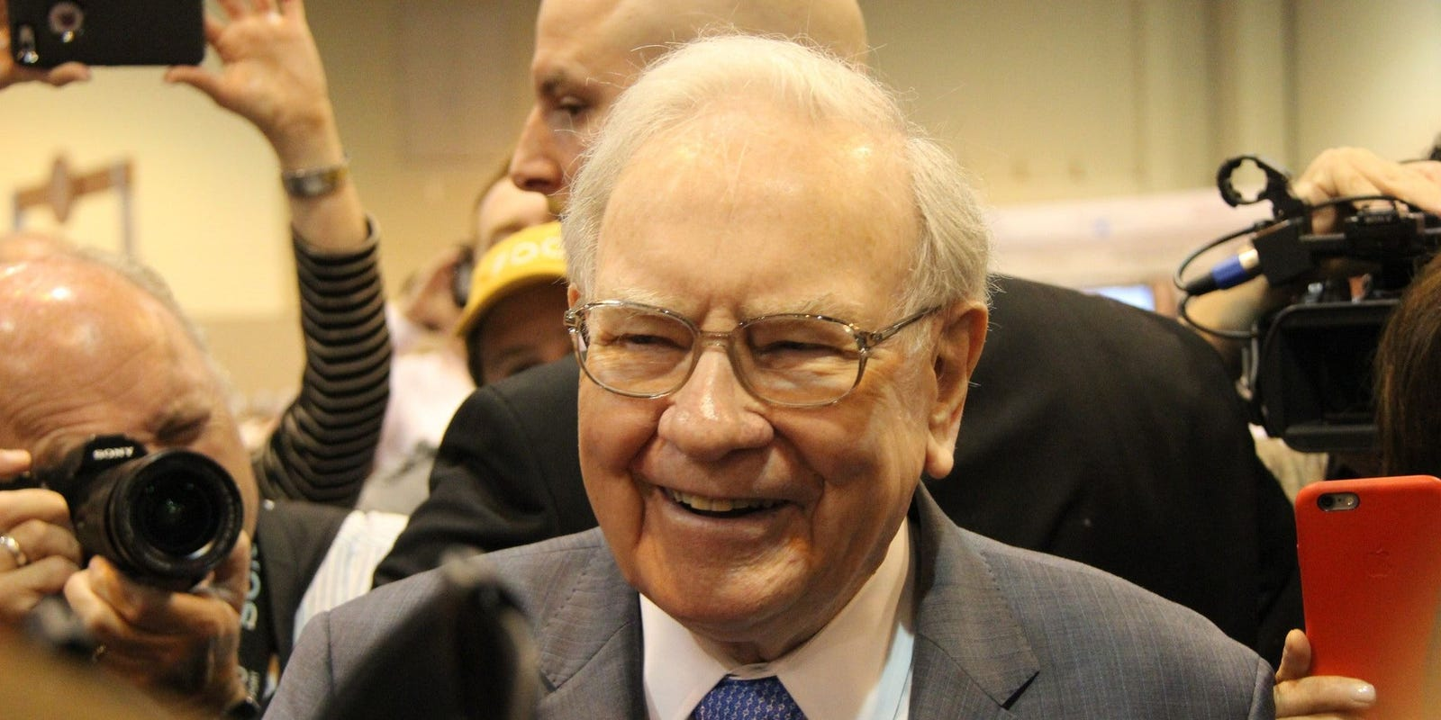usa-today:-warren-buffett:-retirees-'face-a-bleak-future'-as-fixed-income-investments-struggle