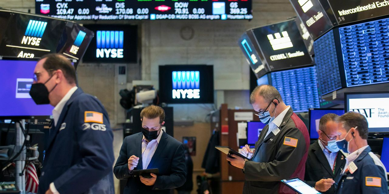 stock-futures-slip,-with-tech-leading-losses