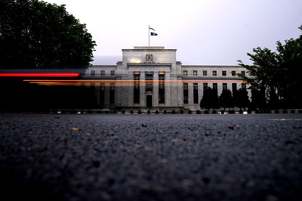 the-fed-is-paying-000%.-such-a-deal!-depositors-are-flocking