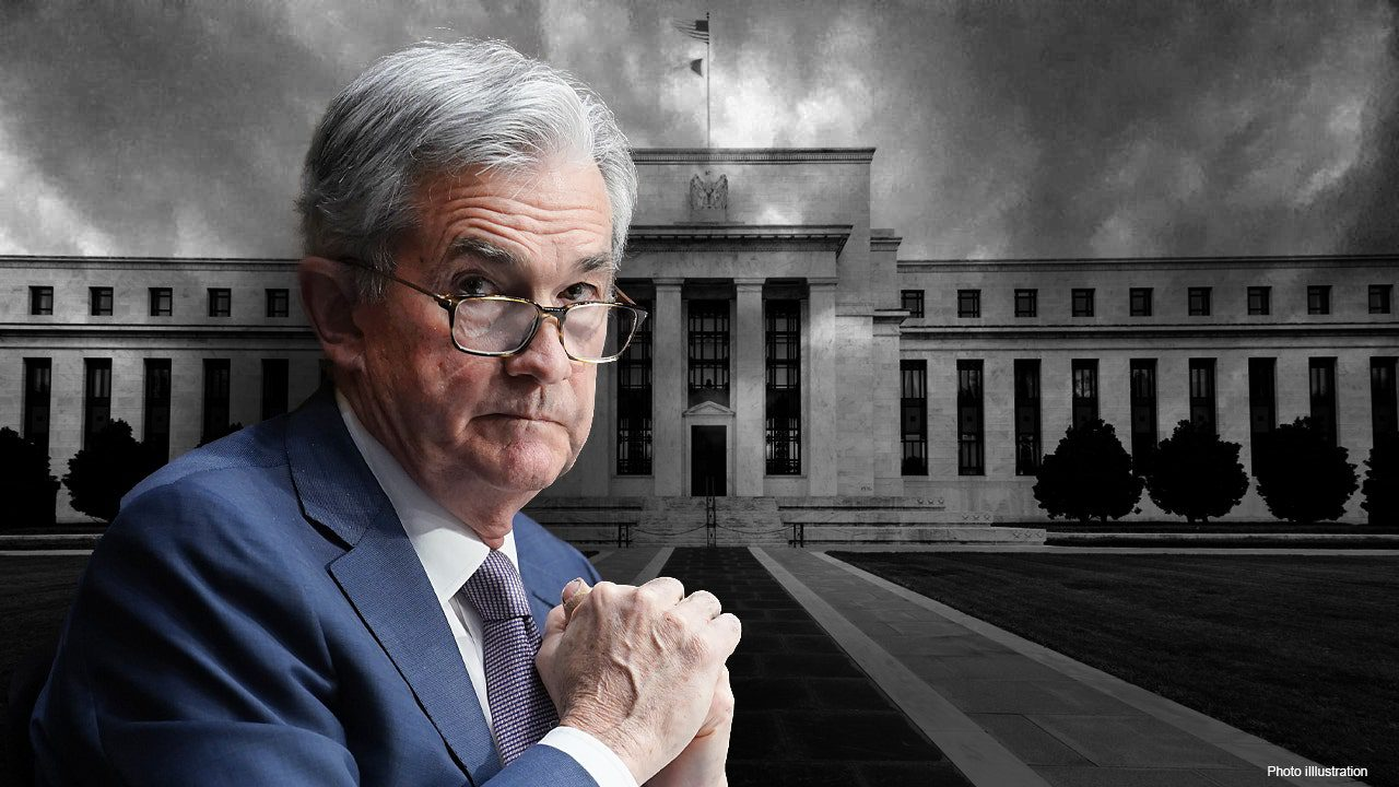 fed-balance-sheet-tops-$8-trillion-for-first-time