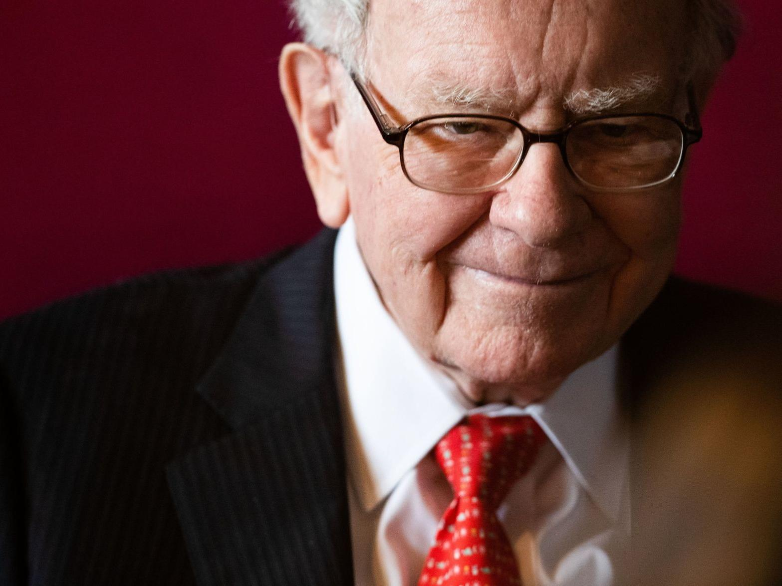 Warren Buffet wars of stock market crash